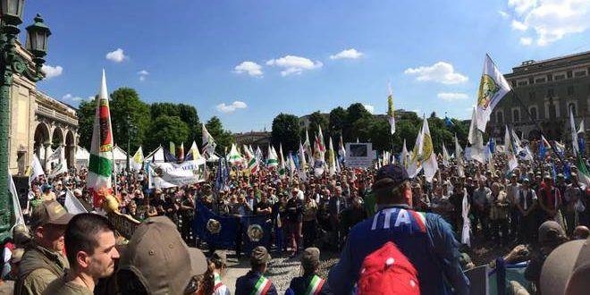 Protesta caccia Torino